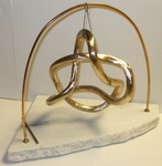 Bronze 5-Crossing Alernating Knot with Base