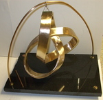 Bronze Mobius Trefoil with Base, Figure 1