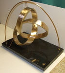 Bronze Mobius Trefoil with Base, Figure 2
